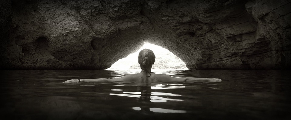 woman-mermaid-cliffs-mystic