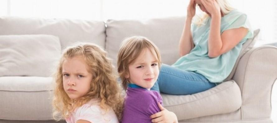"""Когато детето реагира на дадена ситуация свръхемоционално, няма да му помогнете да овладее емоциите си, като му се наложите и му """"покажете кой е шефът""""."""